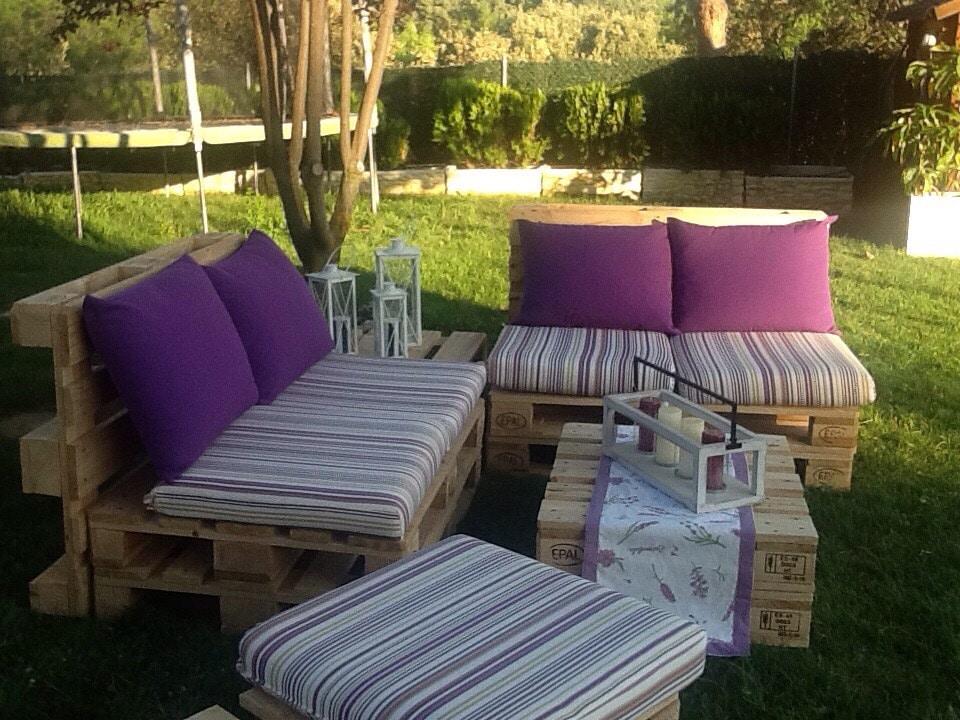 Venta de muebles hechos con palets embalajes nicol s for Sillones hechos con palets de madera