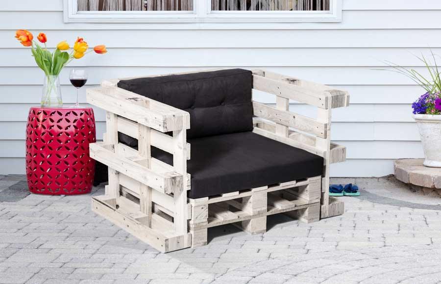 10 ideas para hacer sillones con palets embalajes nicol s - Sillones para terraza ...