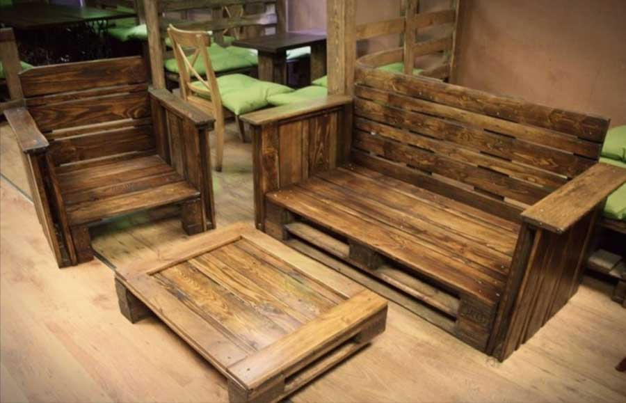 10 ideas para hacer sillones con palets embalajes nicol s for Ideas con palets para jardin