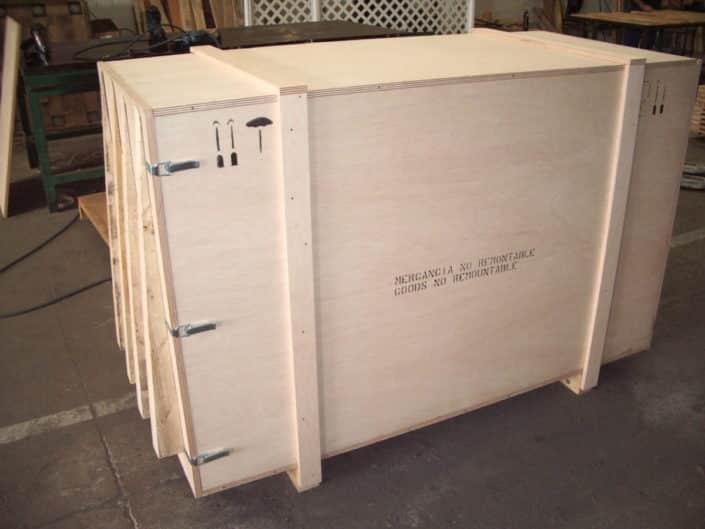 cajas de madera embalaje mercancia